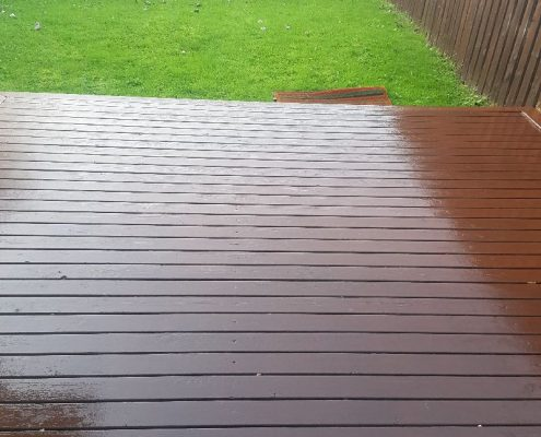 painting-decking-outside